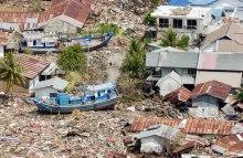 62206-tsunami