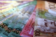 Canadien-money-by-Duckie-Monster