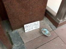 funny-invisible-homeless-man-sign