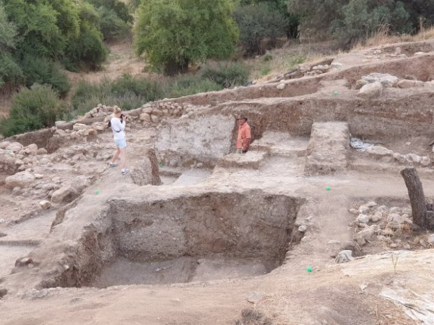 HIDDEN HISTORY: Biblical Hometown of Goliath Uncovered in Israel, & the Ruins are Giant-Sized 20190717_0614521130925553929788579